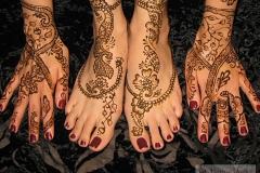 feet and legs henna image 1