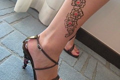 feet and legs henna image 22