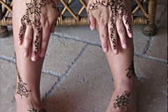 feet and legs henna image 30