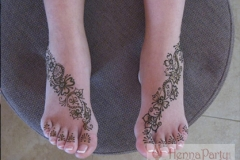 feet and legs henna image 36
