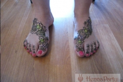 feet and legs henna image 40