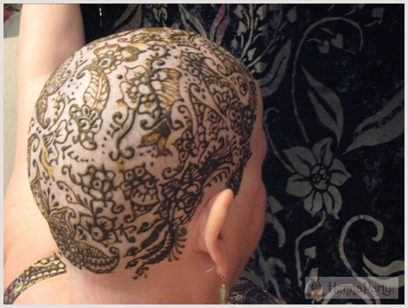 henna crown design